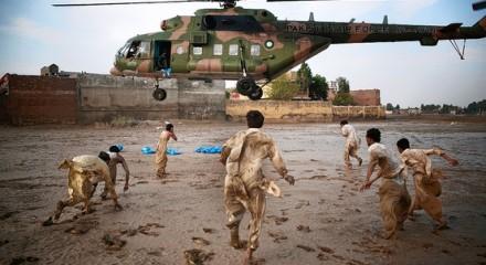 bantuan untuk korban banjir di Pakistan